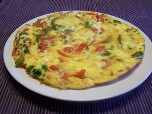 Omelette aux poivrons plat du jour recettes de cuisine - Cuisiner les poivrons verts ...